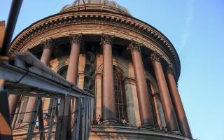 Колоннада Исаакиевского собора, источник фото: http://deletant.livejournal.com/106011.html