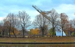 Парк Авиаторов. Памятник Миг-19. Автор фото: Uz1awa (Wikimedia Commons)