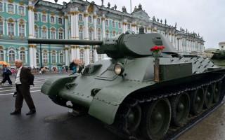 Парад-экспозиция уникальной военной техники