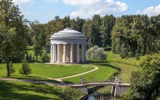 Павильон Дружбы в Павловском парке. Фото: Florstein (WikiPhotoSpace)