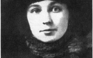 Юная Марина Цветаева в зимой 1917 года. Паспарту с подписью. Автор: неизвестен. Фото: Wikimedia Commons