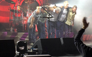 Nick Mason's Saucerful of Secrets bowing after a show in Manchester, 2018