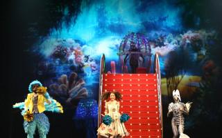 """Семейный мюзикл """"Алиса в стране чудес"""" в """"Мюзик-Холле"""""""