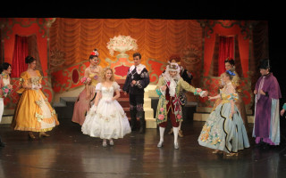 Спектакль «Золушка» на сцене театра «На Неве»