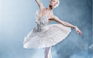 Премьера балета П. И. Чайковского «Лебединое озеро» в хореографии Начо Дуато