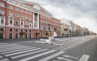 Выставка «Грация Петербурга» Фото: https://artssquaregallery.ru/grace0921