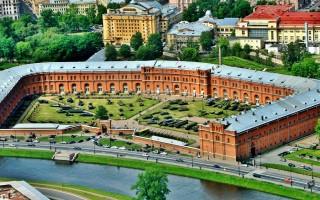 Кронверк Петропавловской крепости. Автор фото: FRENG (Wikimedia Commons)