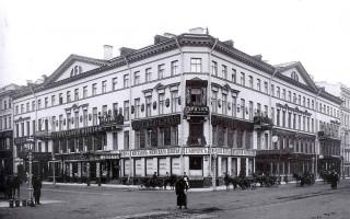 Санкт-Петербург, Невский просп., 13 / Большая Морская ул., 9. (Wikimedia Commons)