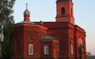 Церковь Александра Невского в Окуловке, источник фото: Wikimedia Commons, Автор: A.Savin