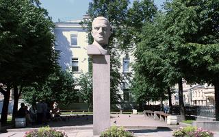 Памятник Маяковскому, источник фото: http://majakovsky.ru/mesta/pamyatnik-mayakovskomu/