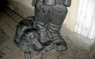 Памятник Муму в Санкт-Петербурге, источник фото: https://www.ptmap.ru/monuments/2257