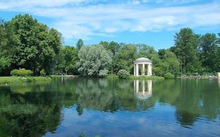 Пруд в парке Екатерингоф. Фото: Uz1awa (Wikimedia Commons)