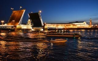 Дворцовый мост - разводится