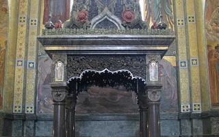 Сень над местом смертельного ранения императора Александра II, источник фото: Wikimedia Commons, Автор: Владислав Фальшивомонетчик