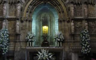 Святой Грааль в Валенсии.https://uk.wikipedia.org