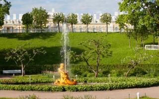 "Фонтан ""Тритон"". Фото: peterhofmuseum.ru"