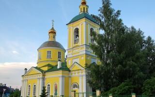 Троицкая церковь в Бологое, источник фото:  Wikimedia Commons, Автор: Kolchak1923