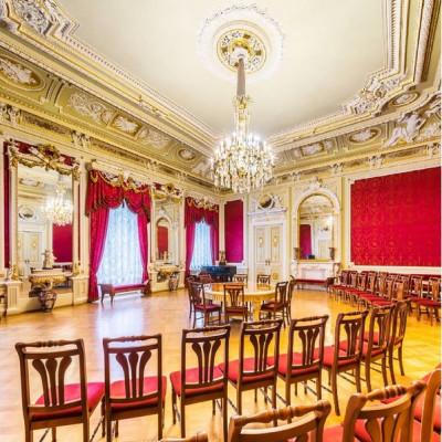 Интерьеры Аничкова дворца сегодня. Фото с оф.инстаграма Музея: instagram.com/anichkov_dvorets
