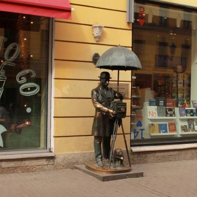 Памятник петербургскому фотографу, автор Арина Лухакодер