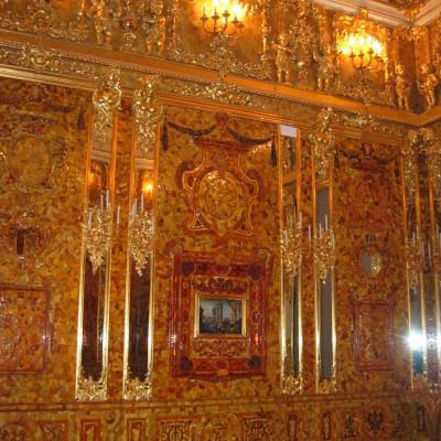 Екатерининский дворец, воссозданная Янтарная комната. Автор: Georg Dembowski, Википедия