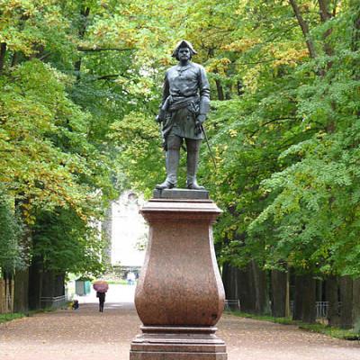 Петергоф. Памятник Петру I. Автор:  michael clarke stuff, Wikimedia Commons