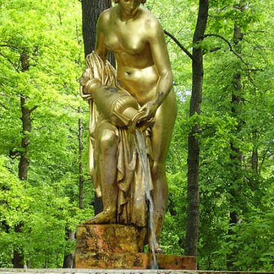 Статуя в Петергофе. Автор: Dinamia, Wikimedia Commons