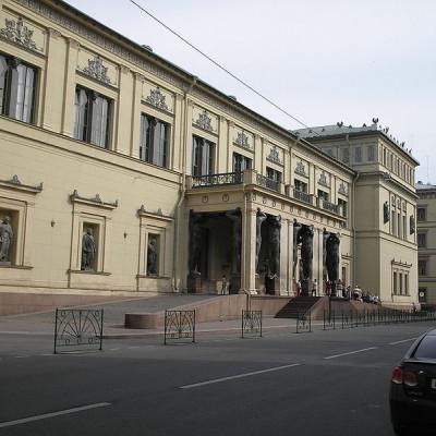 Новый Эрмитаж. Автор:  A. Sdobnikov, Wikimedia Commons