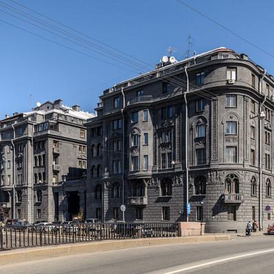Доходный дом Веге на набережной Крюкова канала в Санкт-Петербурге. Автор: Alex 'Florstein' Fedorov, Wikimedia Commons