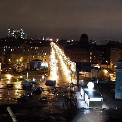 Большой проспект ВО вечером, источник фото: Wikimedia Commons, Автор: Professor Caretaker