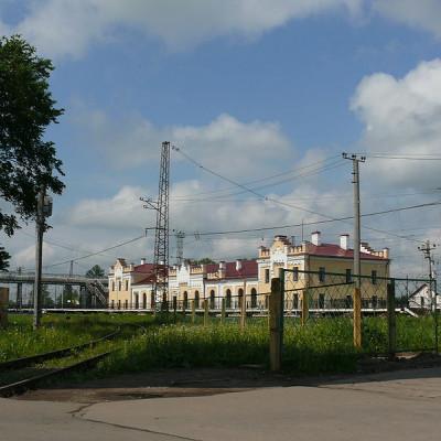 Железнодорожный вокзал в Чудово, источник фото: Wikimedia Commons, Автор: Дар Ветер