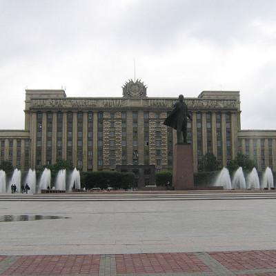 Московская площадь - Дом Советов, источник фото: Wikimedia Commons, Автор: User:Yanachka
