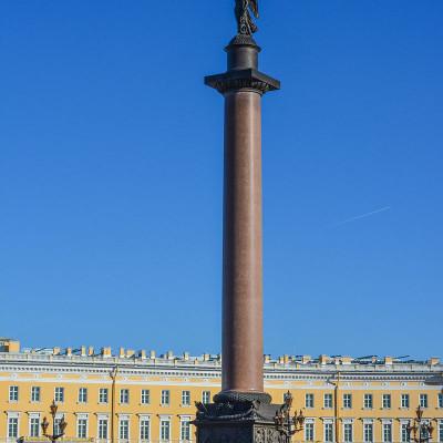 Александровская колонна на Дворцовой площади, источник фото: Wikimedia Commons, Автор: Антон Шестаков