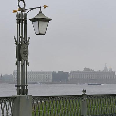 Фонарь на Иоанновском мосту. Автор: Mavra Petrova, Dmitry Ivanov, Wikimedia Commons