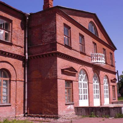 Господский дом усадьбы Приютино, вид со стороны галереи, источник фото: Wikimedia Commons Автор: Elo4kam