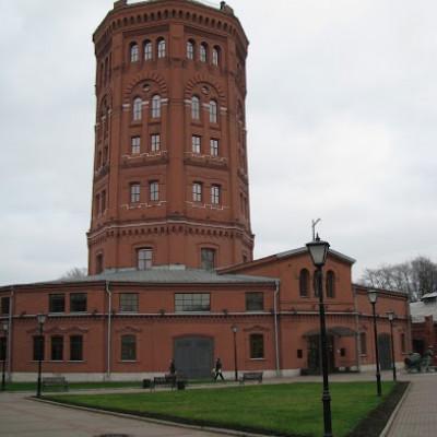 Водонапорная башня. Автор: Peterburg.center