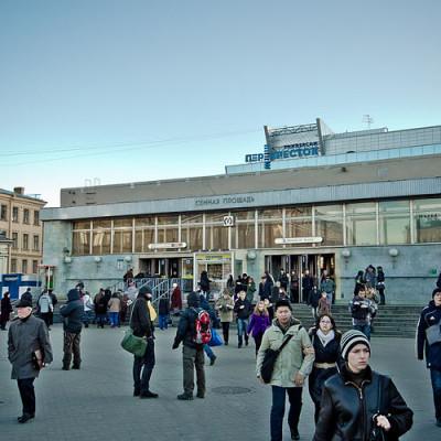 Станция Сенная площадь Петербургского метрополитена, павильон, источник фото: Wikimedia Commons, Автор: Florstein