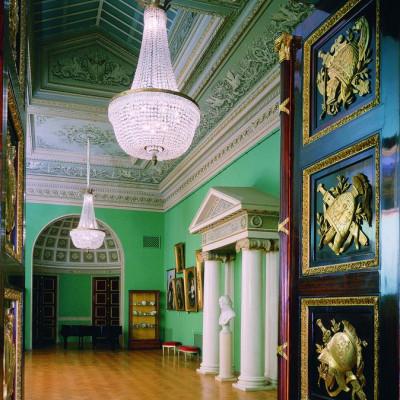 Николаевский зал, источник фото: https://www.yusupov-palace.ru/ru/services/halls