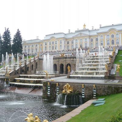 Петергоф. Большой дворец. Автор фото: El Pantera (Wikimedia Commons)