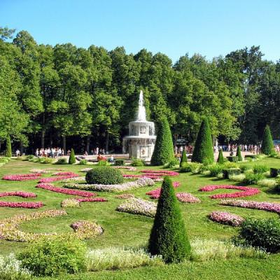 Петергоф. Нижний парк. Римский фонтан. Автор: Alexxx1979, Wikimedia Commons