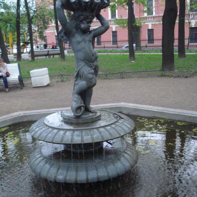 """Фонтан """"Путти"""". Автор: Alma Pater, Wikimedia Commons"""