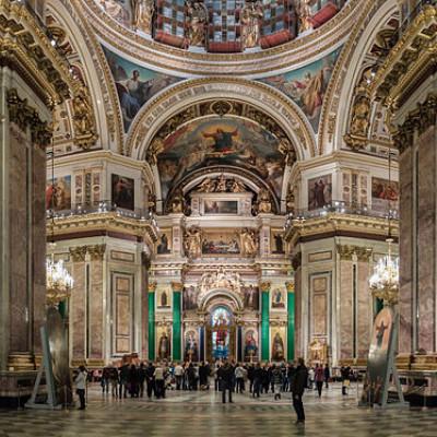 Панорамное изображение интерьера Исаакиевского собора в Санкт-Петербурге, источник фото: Wikimedia Commons, Автор: Ximeg