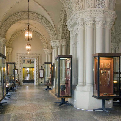 Зал эпохи неолита и ранней бронзы, источник фото: http://www.hermitagemuseum.org/wps/portal/hermitage/explore/buildings/locations/room/B10_F1_H12/?lng=ru