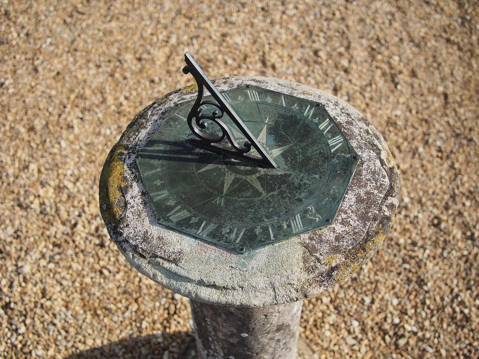 Гномон. Фото: pixabay.com