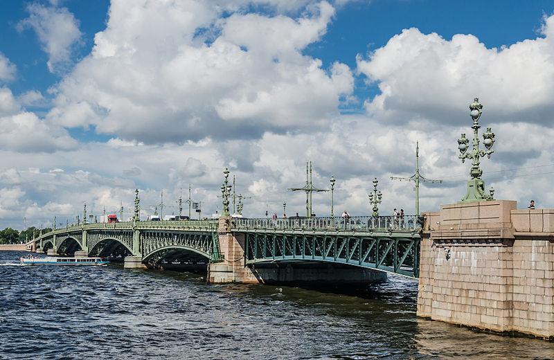 Троицкий мост, источник фото: Wikimedia Commons, Автор: Florstein (WikiPhotoSpace)