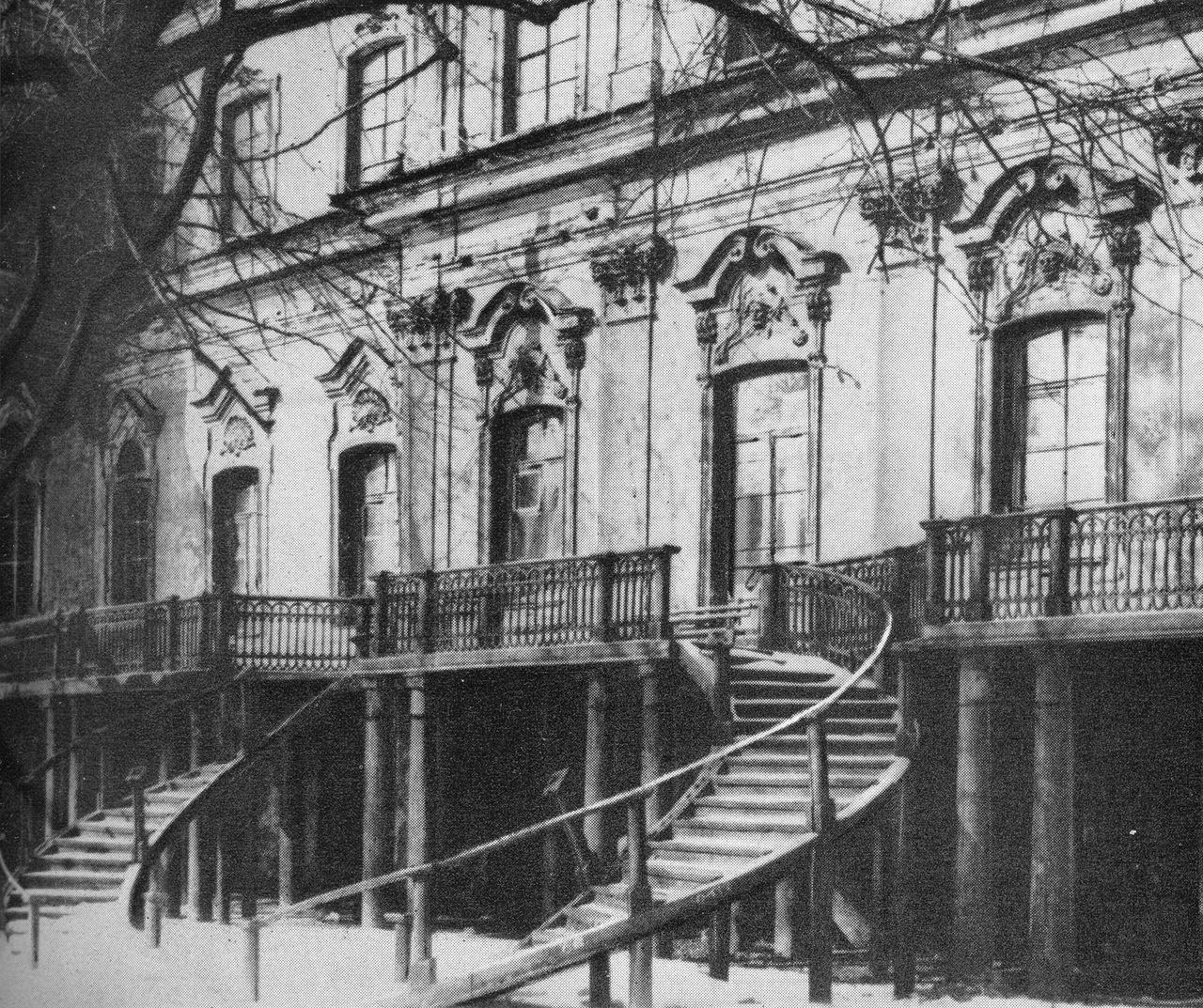 Дом Демидова в переулке Гривцова 1955, источник фото: pastvu.com