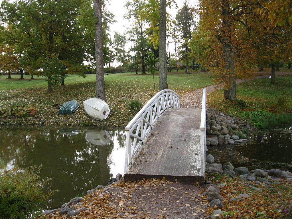 Парк с прудами, имение Марьино. Фото: Aulitin (Wikimedia Commons)