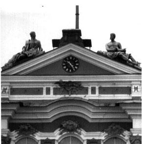 Циферблат башенных часов после реставрации, 12.04.1995 г. Фото: hepd.pnpi.spb.ru