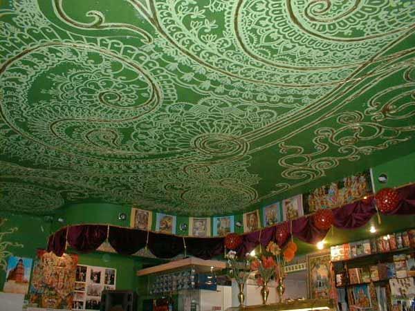 Вегетарианское кафе Гауранга, источник фото: http://www.ipetersburg.ru/kafe-gauranga/