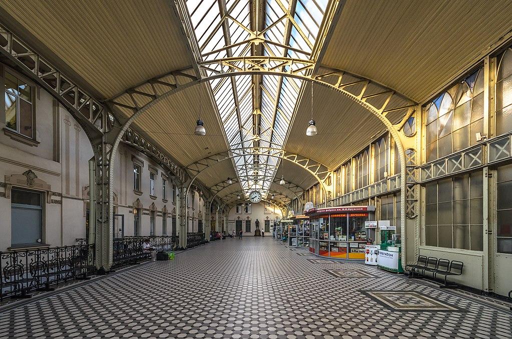 Вестибюль Витебского вокзала (Световой зал). Фото: Florstein (WikiPhotoSpace)