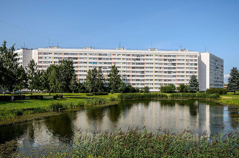 Дома 600-й серии на проспекте Ветеранов, источник фото: Wikimedia Commons, Автор: Florstein (WikiPhotoSpace)